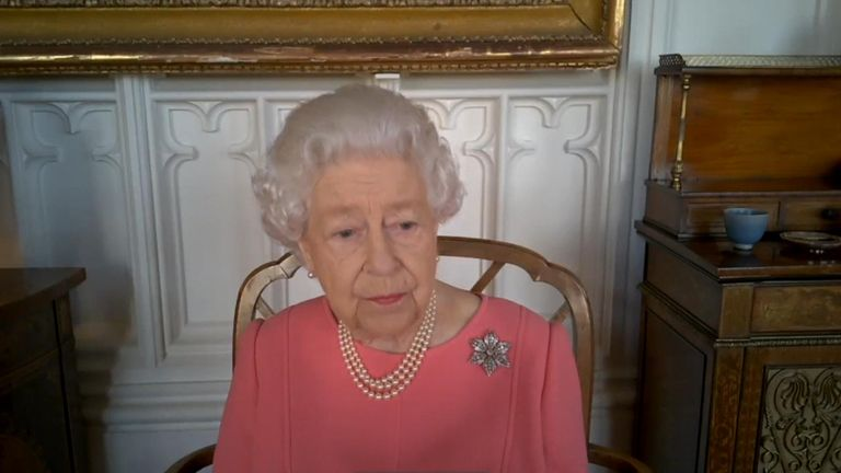 Queen speaks about her vaccination experience