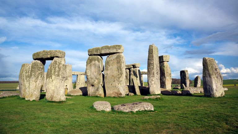Stonehenge is a prehistoric monument that is thought to have been constructed between 3000BC and 2000BC