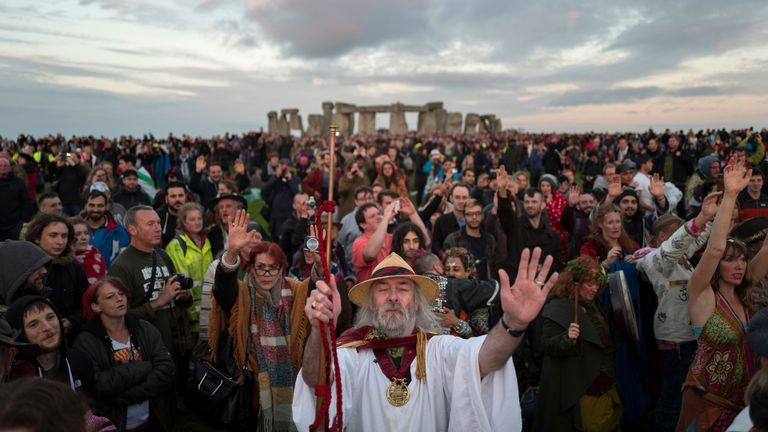 Abour 20,000 people usually travel to Stonehenge to witness the Summer Solstice every 21 June