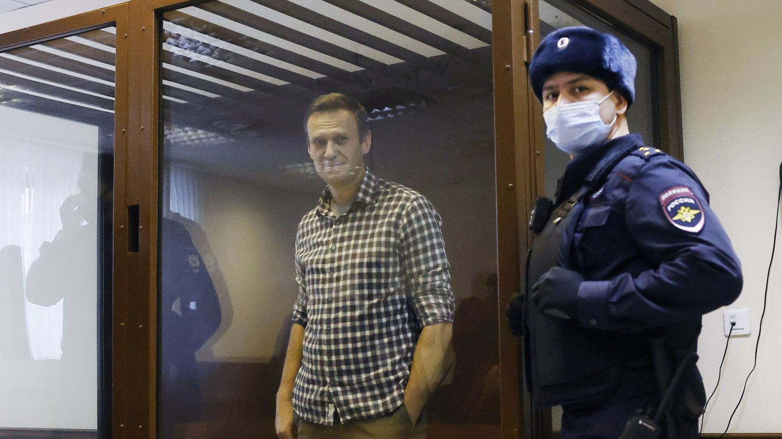 US and EU hit Russia with co-ordinated sanctions over attempted murder and jailing of Alexei Navalny