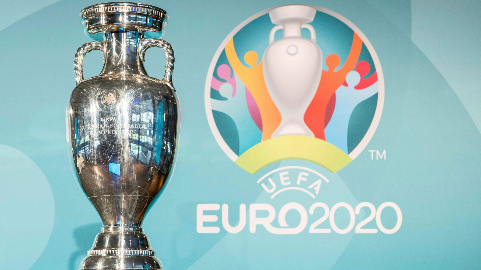 PM offers Britain's stadiums for all of the European Championship with eyes on 2030 World Cup bid