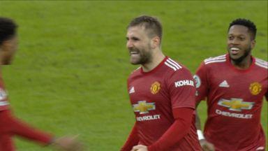Shaw doubles Utd's lead!