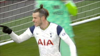 Bale gives Tottenham the lead! (25)
