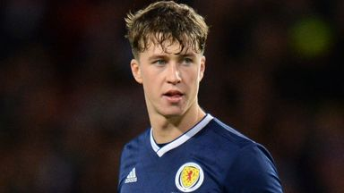 Hendry 'desperate' for Scotland recall