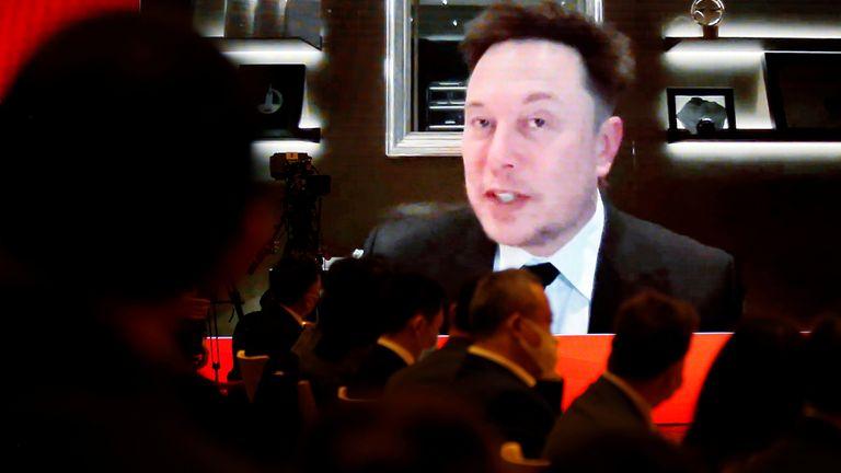 Giám đốc điều hành Tesla Inc Elon Musk tham dự qua liên kết video một phiên họp tại Diễn đàn Phát triển Trung Quốc được tổ chức ở Bắc Kinh, Trung Quốc ngày 20 tháng 3 năm 2021