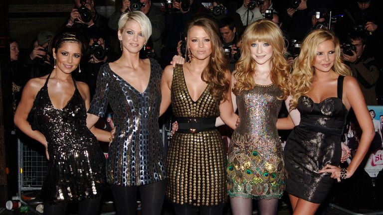 Girls aloud in 2007, with Harding second from left
