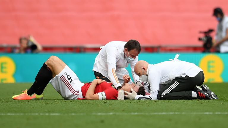 Repeated head injuries, like those suffered by sports players , are coming under increased scrutiny