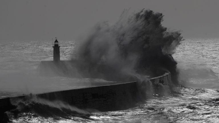 Strong winds and heavy rain will hit parts of the UK by the middle of the week, say forecasters