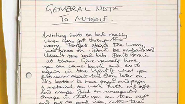 عکس جزوه بدون تاریخ صادر شده توسط کالج سنت جان و نوشته های داگلاس آدامز در کمبریج.  آدامز & # 39؛  سرخوردگی از مشهورترین آثار او - راهنمای Hitchhiker برای کهکشان - در بایگانی وی فاش شده است.  کتابی با عنوان 42: ایده های وحشیانه غیرممکن داگلاس آدامز ، حدود 20 سال پس از مرگ وی در حال چاپ است که شامل دفترها ، نامه ها ، متن ها ، جوک ها ، سخنرانی ها ، لیست کارها و شعرهای او از بایگانی وی است.  تاریخ صدور: دوشنبه 22 مارس 2021.