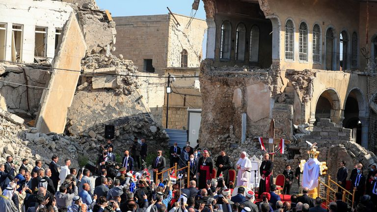 The papacy visited an area that was ruined by IS during their occupation
