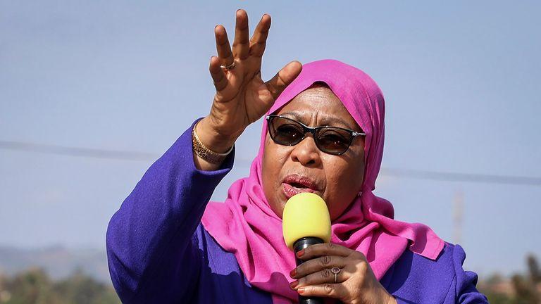 سامیا سولوهو حسن به عنوان اولین رئیس جمهور زن تانزانیا سوگند یاد کرد