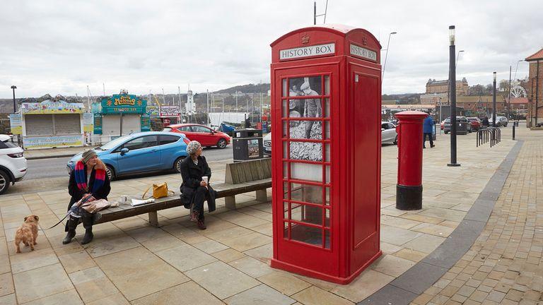 این جعبه تلفن به کوچکترین موزه اسکاربورو تبدیل شده است