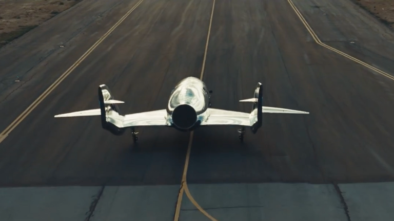 VSS Imagine به صورت افقی روی باند فرود می آید