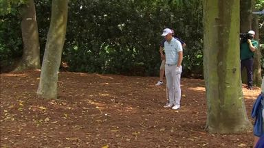 Spieth's incredible recovery shot!