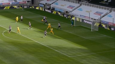 Dubravka palms away Kane effort (8)