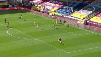Vydra gives Burnley the lead! (18)