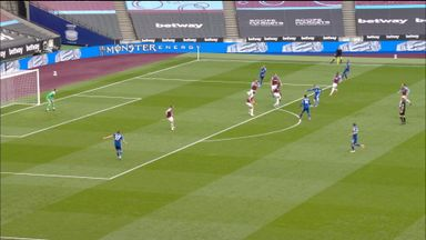 Vardy shot saved by Fabianski (24)