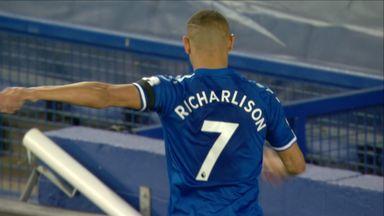 Richarlison misses glorious chance! (84)