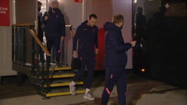 Kane leaves Goodison without crutches