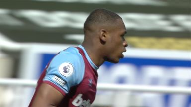 Diop pulls one back for West Ham (73)