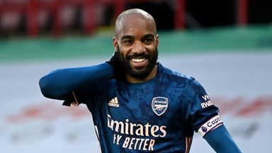 Smith: Arsenal facing a dilemma with Lacazette
