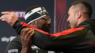Chisora dances with Parker at face-off