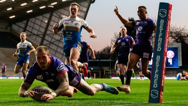 Hardaker with stunning solo try!