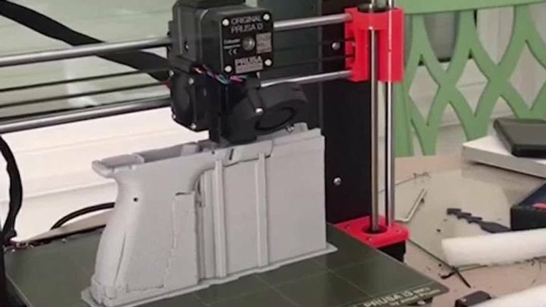 Police raid 3D-printed gun factory in Spain
