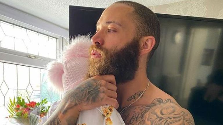Ashley Cain with his baby daughter Azaylia. Pic: Instagram