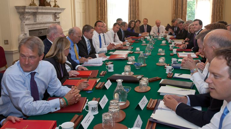 Britain's Prime Minister David Cameron chairs the first cabinet meeting following a ministerial re-shuffle, in 10 Downing Street in London September 5, 2012. REUTERS/Neil Hall (BRITAIN - Tags: POLITICS)