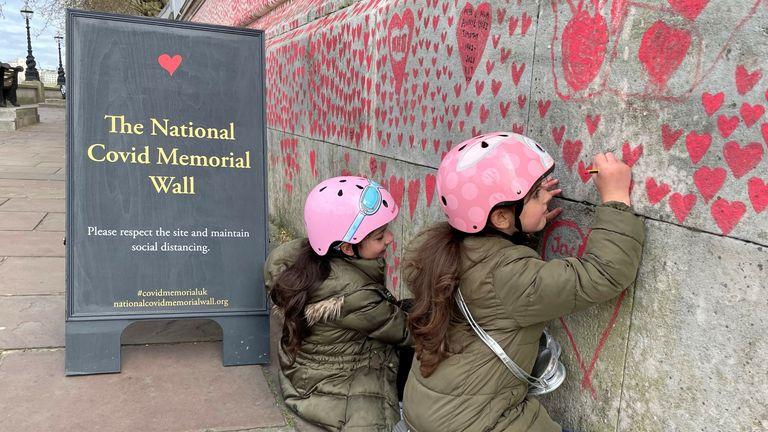 Memorial wall London
