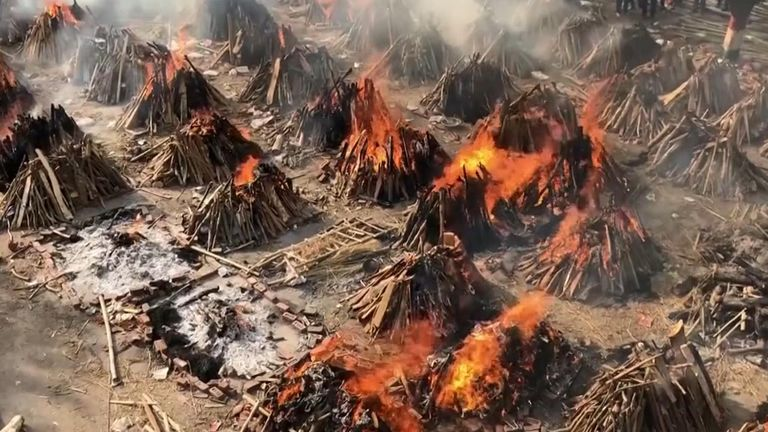 Mass cremations are held in New Delhi.