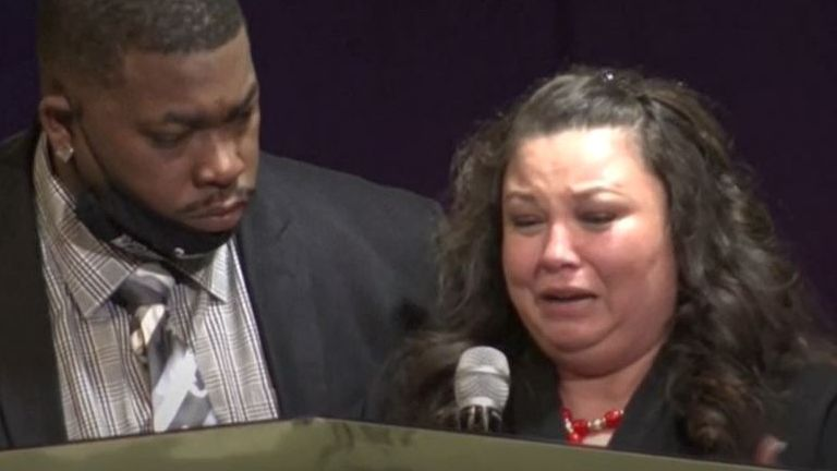 Daunte Wright's mother Katie says her son Daunte should be burying her, not the other way around