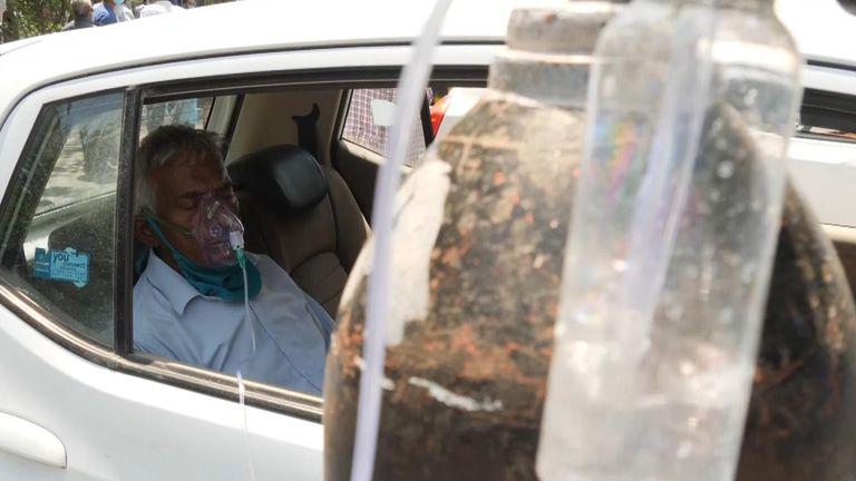 """كوفيد -19: الأمير تشارلز """"حزين"""" لأزمة فيروس كورونا في الهند ويحث الجمهور على دعم نداء الأكسجين   أخبار المملكة المتحدة"""