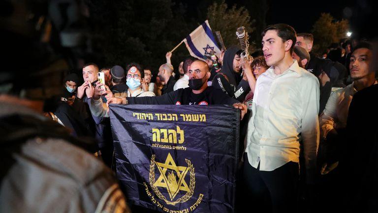 شرطة الحدود الإسرائيلية تحجب عناصر من ... لاهفا ... ، جماعة يهودية متطرفة اقتربت من بوابة العامود للاحتجاج وسط تصاعد التوترات في المدينة