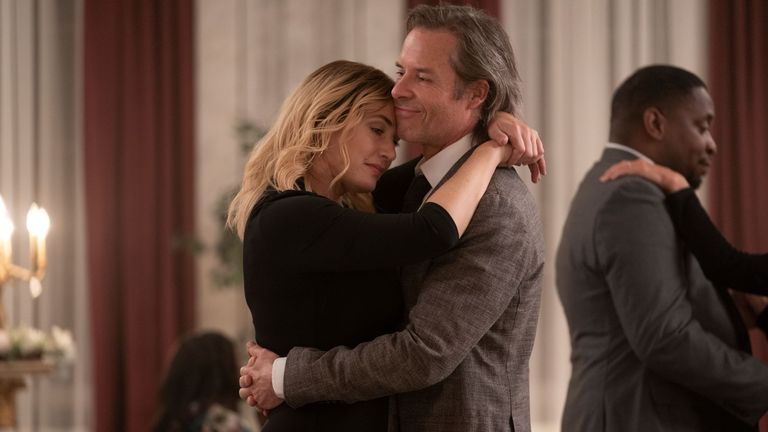 Made in East Town está protagonizada por Kate Winslet y Guy Pierce.  Imagen: Sky UK / HBO
