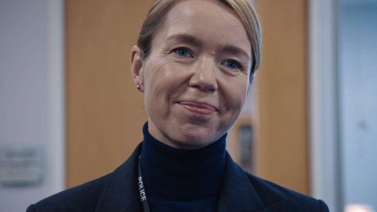 Anna Maxwell Martin sebagai Patricia Carmichael di Line Of Duty. Foto: BBC / Produksi Dunia