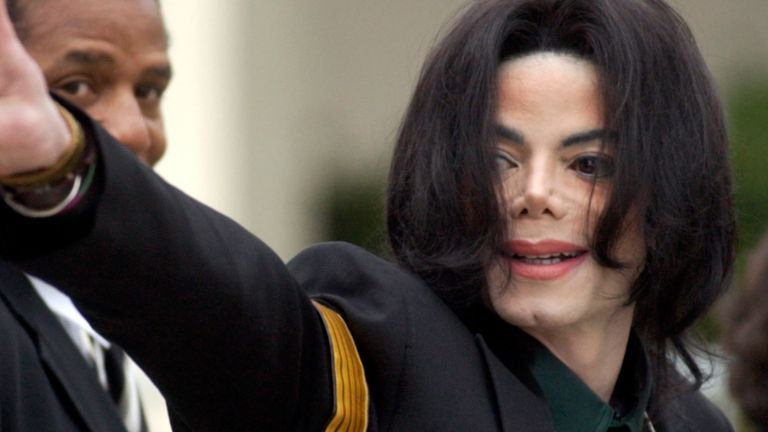 Michael Jackson child molestation trial in 2005. Pic: AP