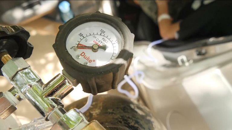 كوفيد -19: المملكة المتحدة ترسل 1000 جهاز تنفس إضافي إلى الهند في الوقت الذي تكافح فيه زيادة حالات الإصابة بفيروس كورونا   أخبار السياسة