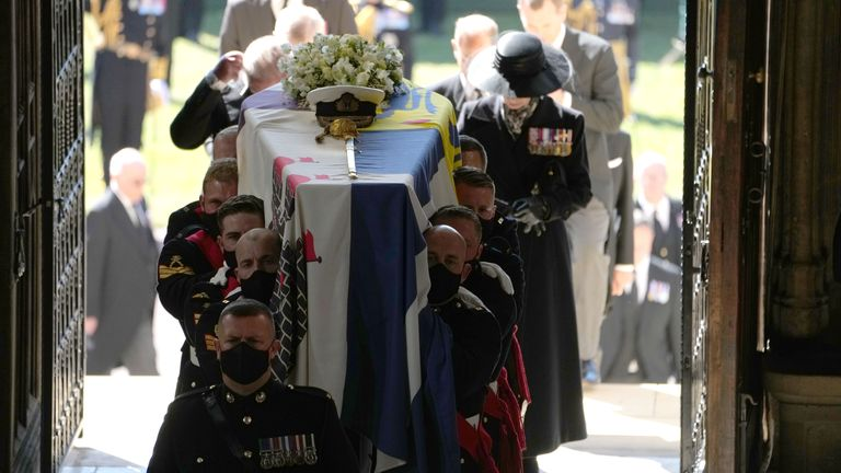Pall Bearers carrying the coffin of the Duke of Edinburgh into St George's Chapel