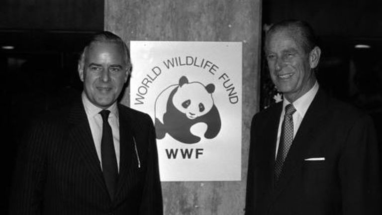 18/11/1986The Duke of Edinburgh, The World Wildlife Funds International President with Tim Walker, chairman of WWF-UK at the University of London before the Duke gave the sixth annual World Conservation Lecture