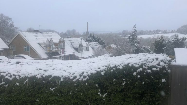 Snow seen in north Oxfordshire on the day pub gardens reopened