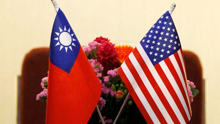 The flags of Taiwan and the US