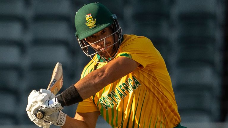 Highlights from the second T20 international in Johannesburg as South Africa romped to a six wicket win with six overs to spare.