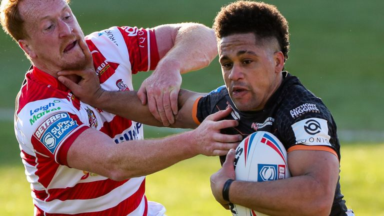 See all the action from the Mend-A-Hose Jungle as Castleford Tigers ran in 50 points against Leigh Centurions.