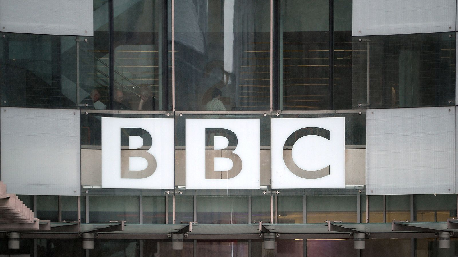 Calls for Theresa May's former aide Sir Robbie Gibb to resign from BBC for 'trying to block' Jess Brammar from job