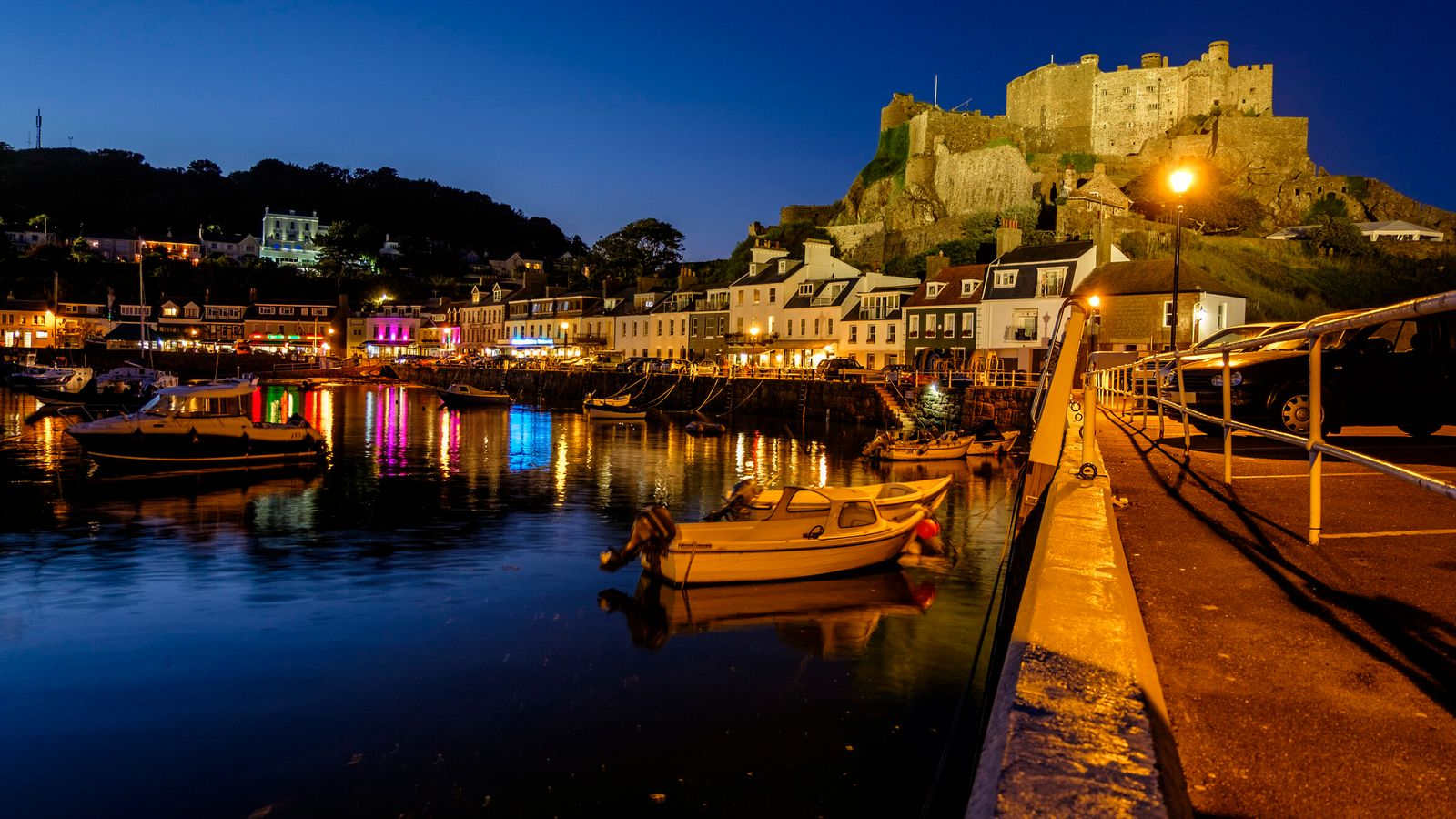 France threatens to cut off electricity supply to Jersey in fight over post-Brexit fishing rights