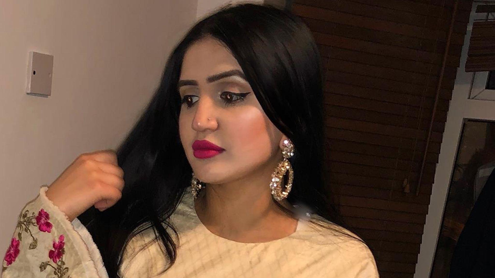 Pics pakistani wife Beautiful Pakistani