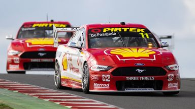 V8 Supercars: Race 9 - The Bend
