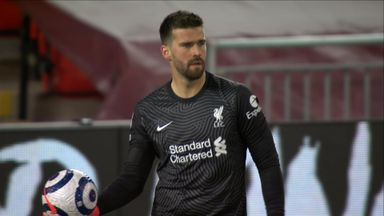 Lucky escape for Alisson! (77)